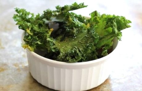 Delicious Baby Kale Chips - 12-18 Month Baby Food Cleanbabyfood.com